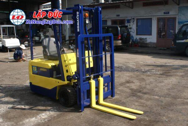 Xe nâng điện 1.5 tấn - 2.5 tấn cũ hiệu KOMATSU 5