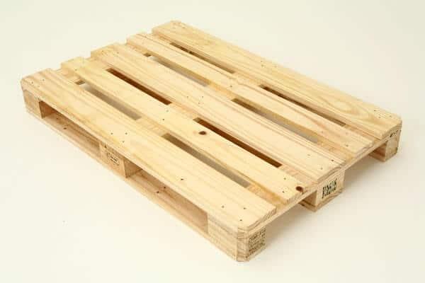 Pallet gỗ, Pallet nhựa, Pallet sắt, Pallet giấy. Các loại pallet phổ biến trong kho hàng 6