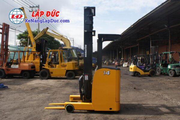 Xe nâng điện 1.5 tấn - 2.5 tấn cũ hiệu KOMATSU 4