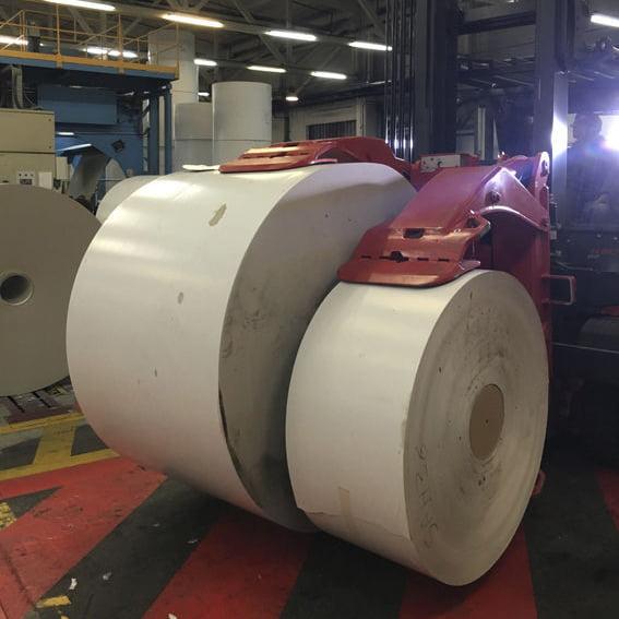 Xe nâng kẹp cuộn giấy tròn xoay 360 độ 4