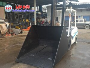 Xe Nâng Dầu UNI CARRIER FD30C3Z # 2U831871 gắn bộ gầu xúc gật gù 39