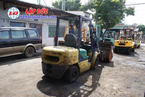 Xe Xúc Nâng Máy Dầu KOMATSU SD15-5 3