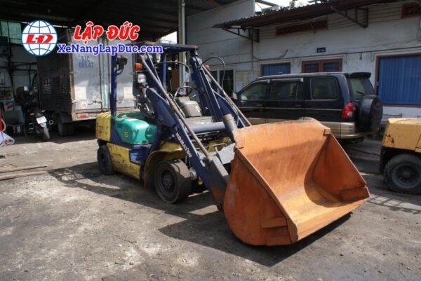 Xe Xúc Nâng Máy Dầu KOMATSU SD15-5 1